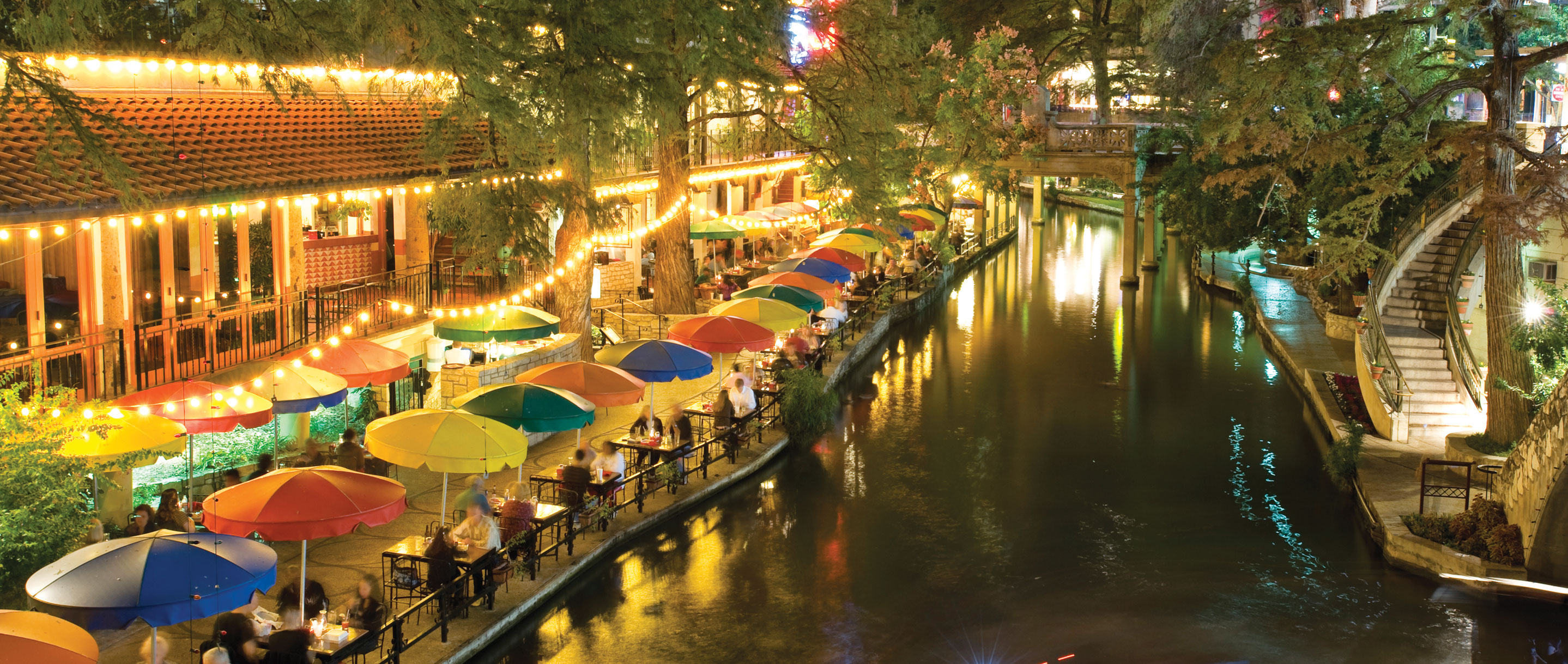 A Relaxing Riverwalk Christmas 171 R Amp J Tours