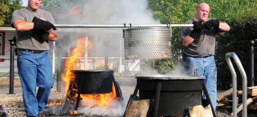 Springtime in door county r j tours for Door county fish boil